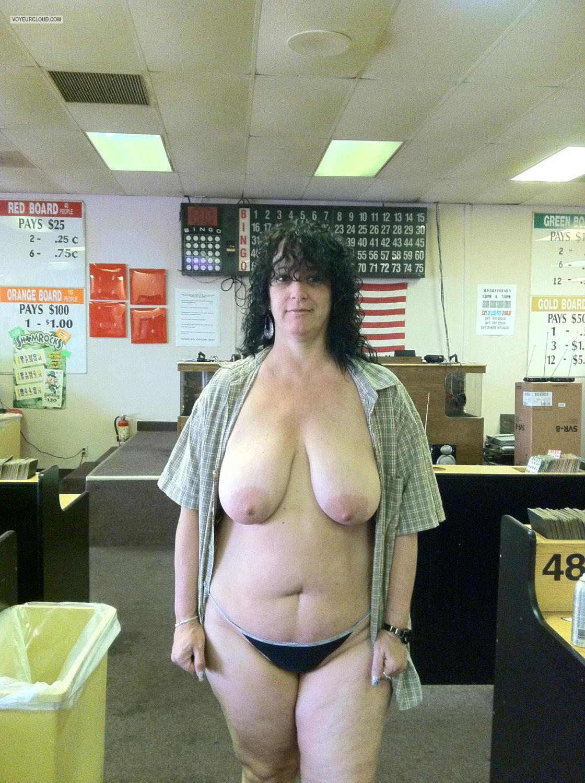 very big titsiphone - topless lori from united states tit flash