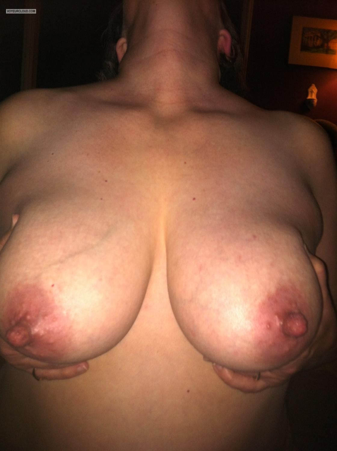 Tit Flash: Big Tits By IPhone - PoohBare from United States