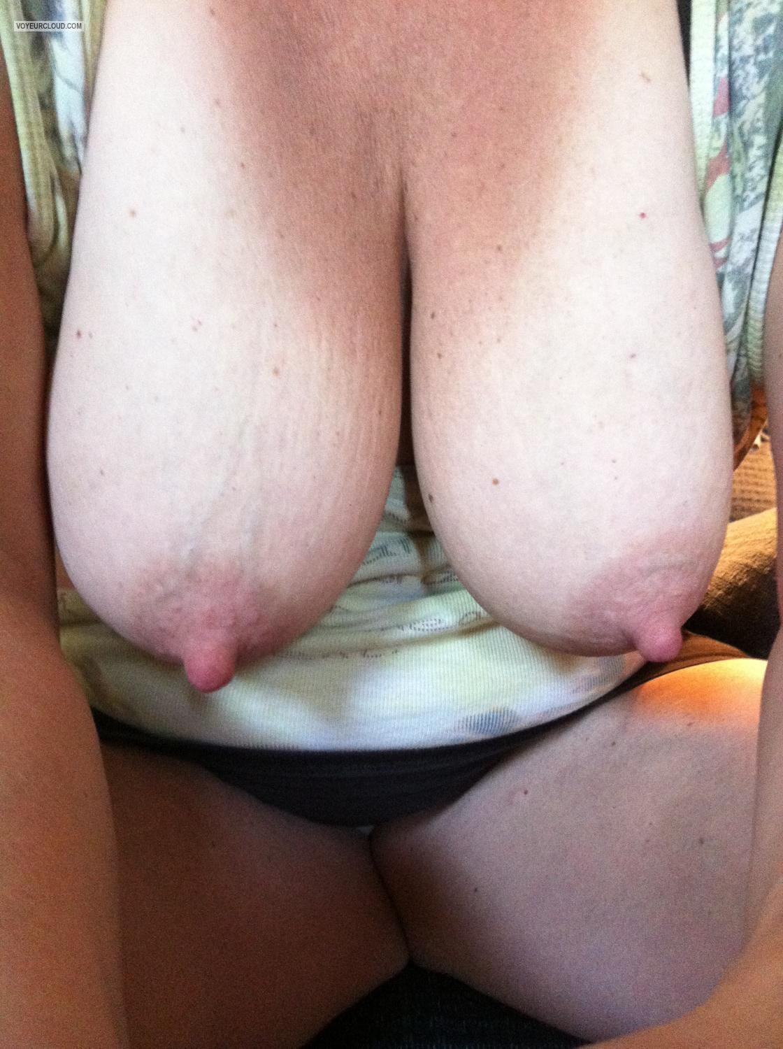Tit Flash: Very Big Tits By IPhone - 42 Y/o Milf from United States