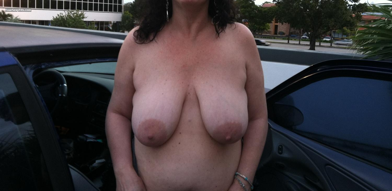 Tit Flash: Very Big Tits By IPhone - Lori from United States