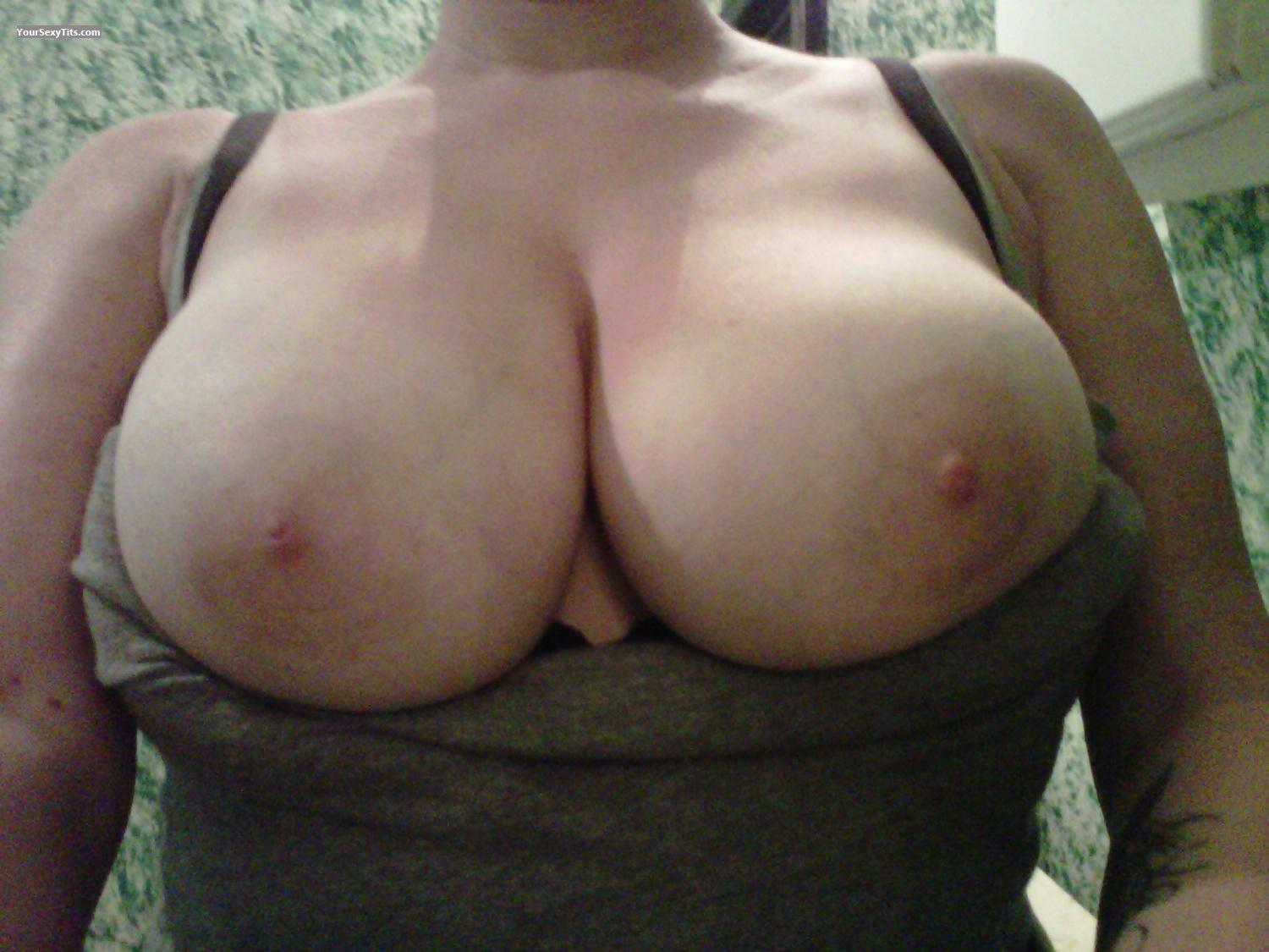 Tit Flash: Very Big Tits By IPhone - Lana from United States