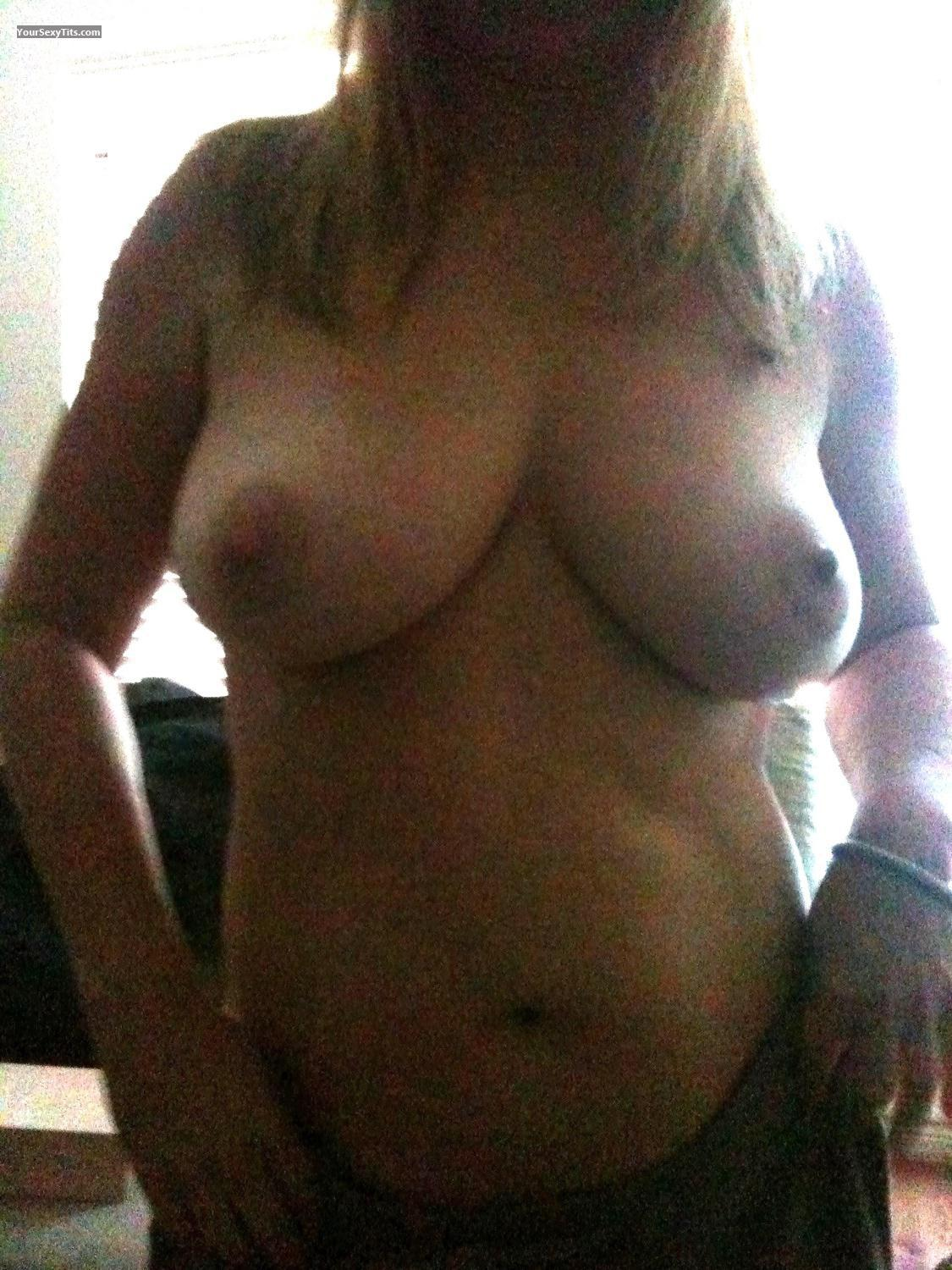 Tit Flash: Very Big Tits By IPhone - Natural52 from United States