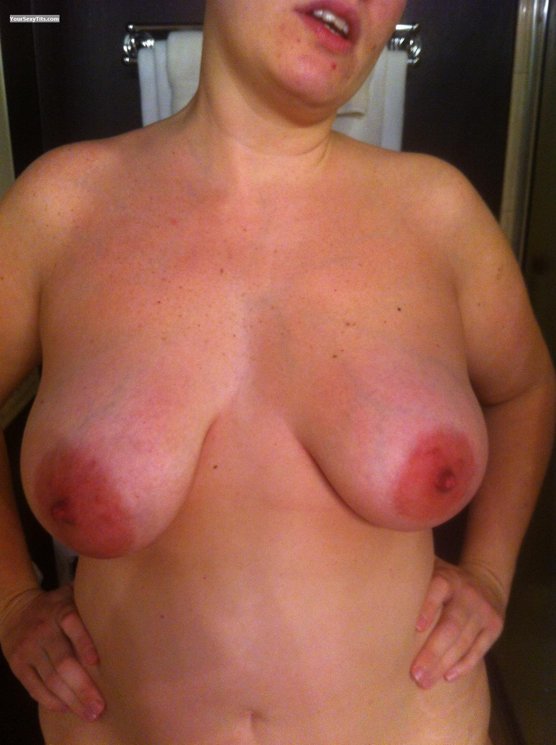 Tit Flash: Very Big Tits By IPhone - Hot.chi.wife from United States