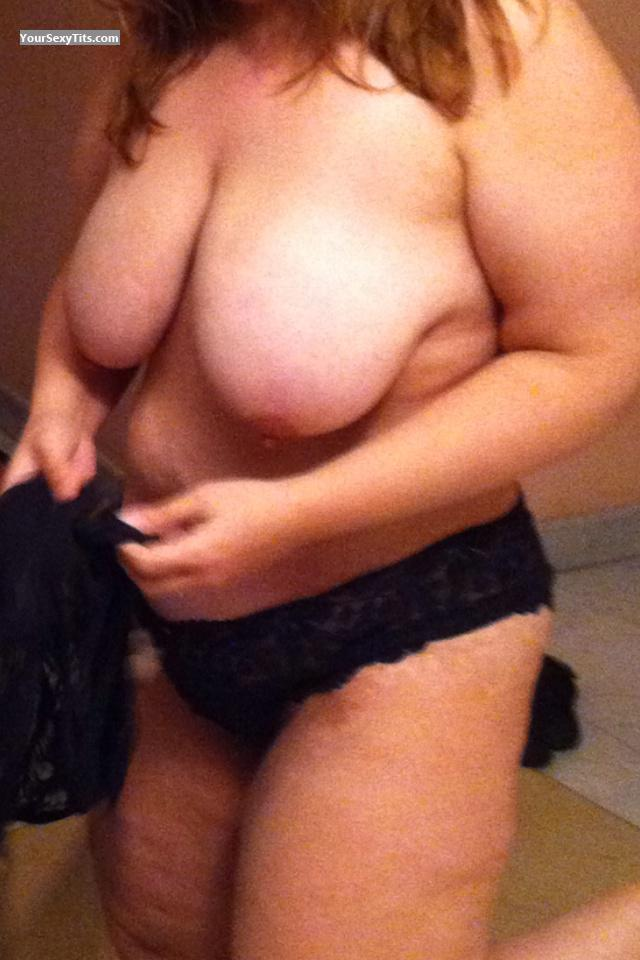 Very big Tits Naked Wife