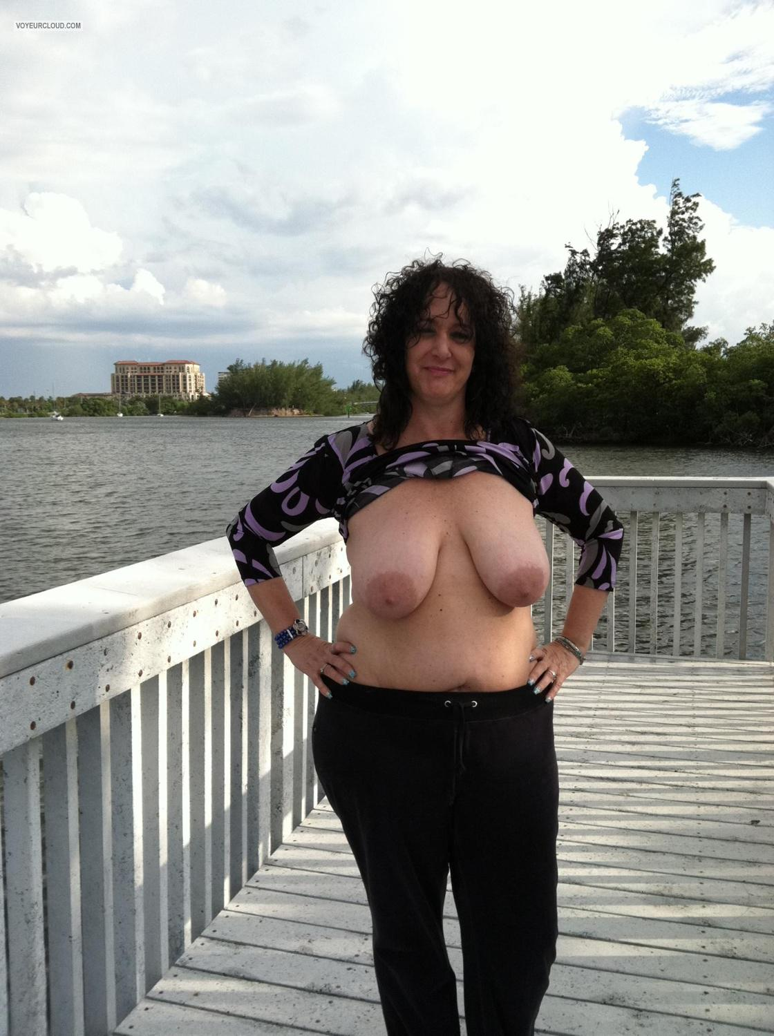 Tit Flash: Very Big Tits By IPhone - Topless Lori from United States