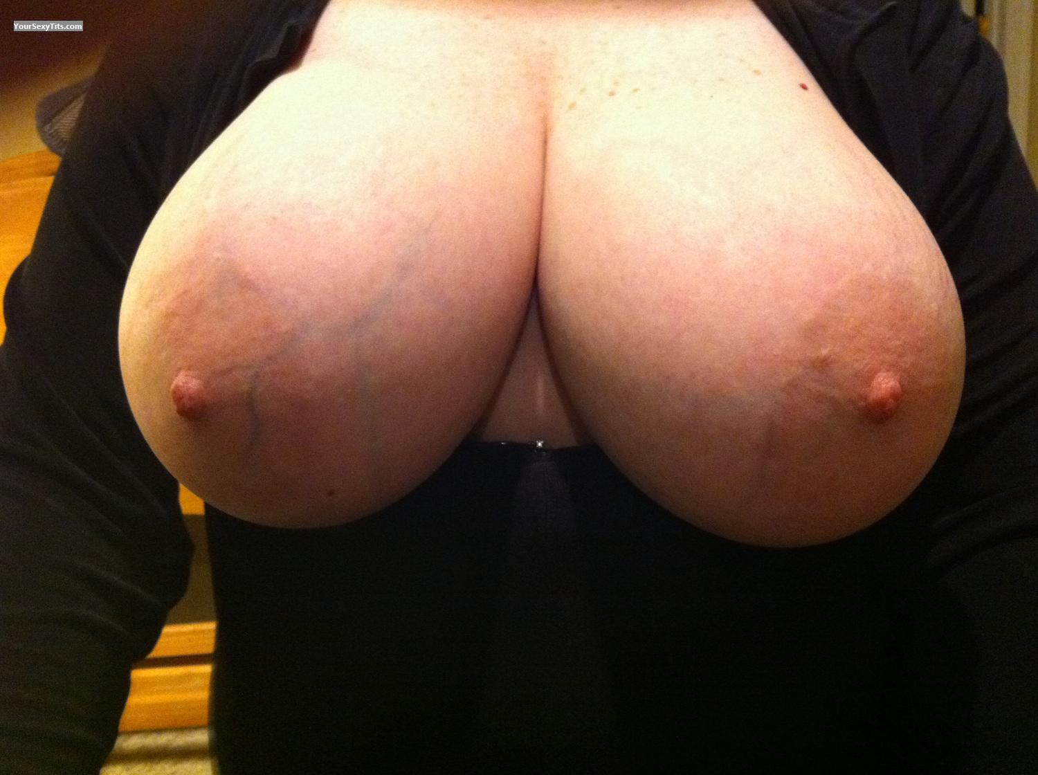 Tit Flash: Very Big Tits By IPhone - JJDD from United States