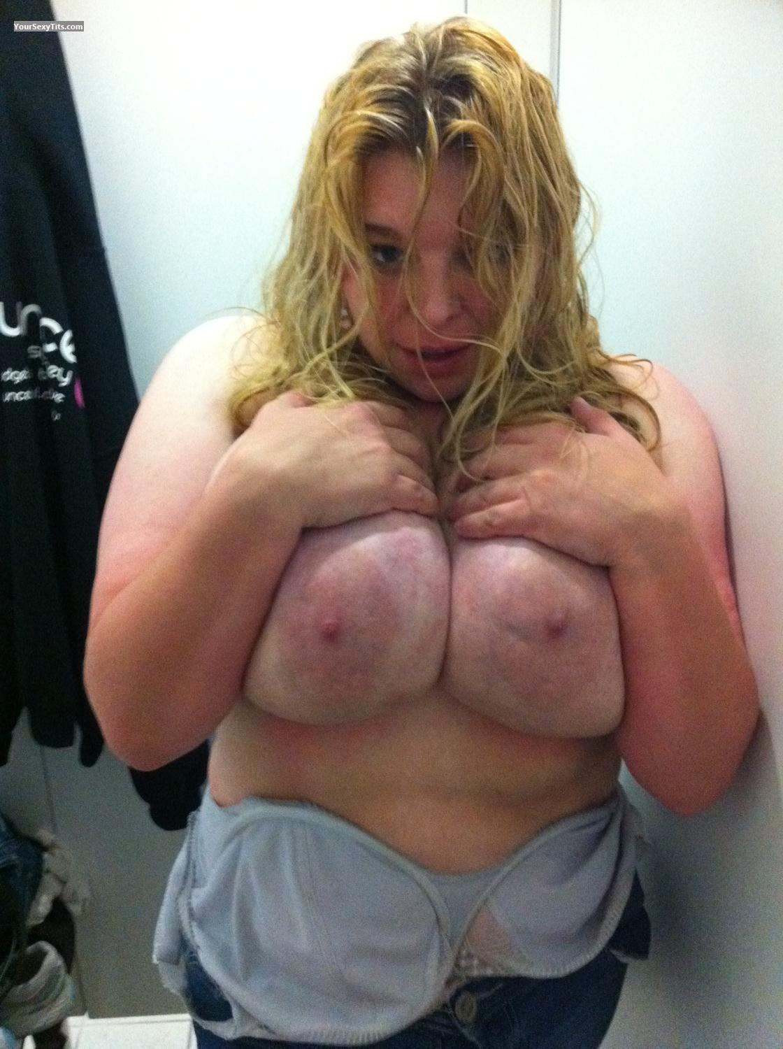Tit Flash: Very Big Tits By IPhone - Topless Lucy from Australia