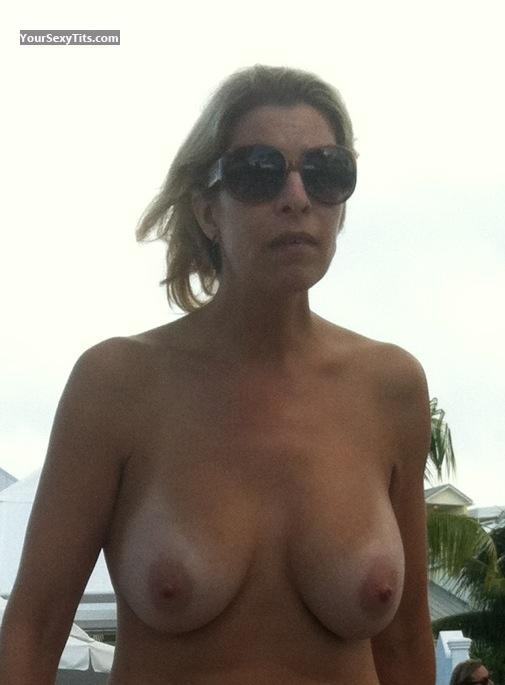 Tit Flash: Medium Tits By IPhone - Topless Gsot from United States
