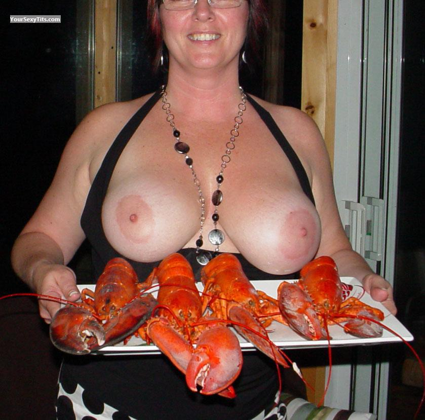 Tit Flash: Very Big Tits - Topless Isas48 from Canada