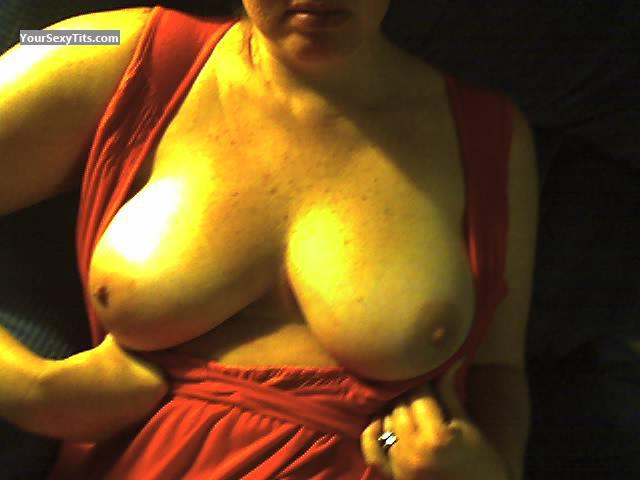 Tit Flash: Very Big Tits - DeerparkTX Jen from United States