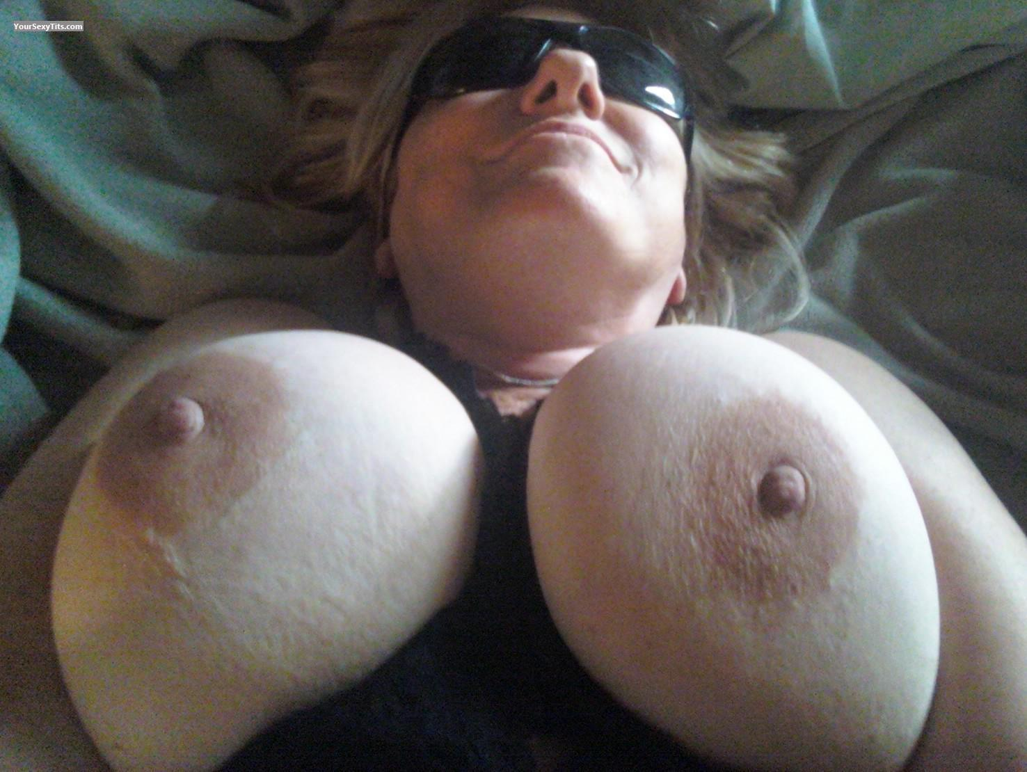 Tit Flash: Very Big Tits - Pablo's from United States