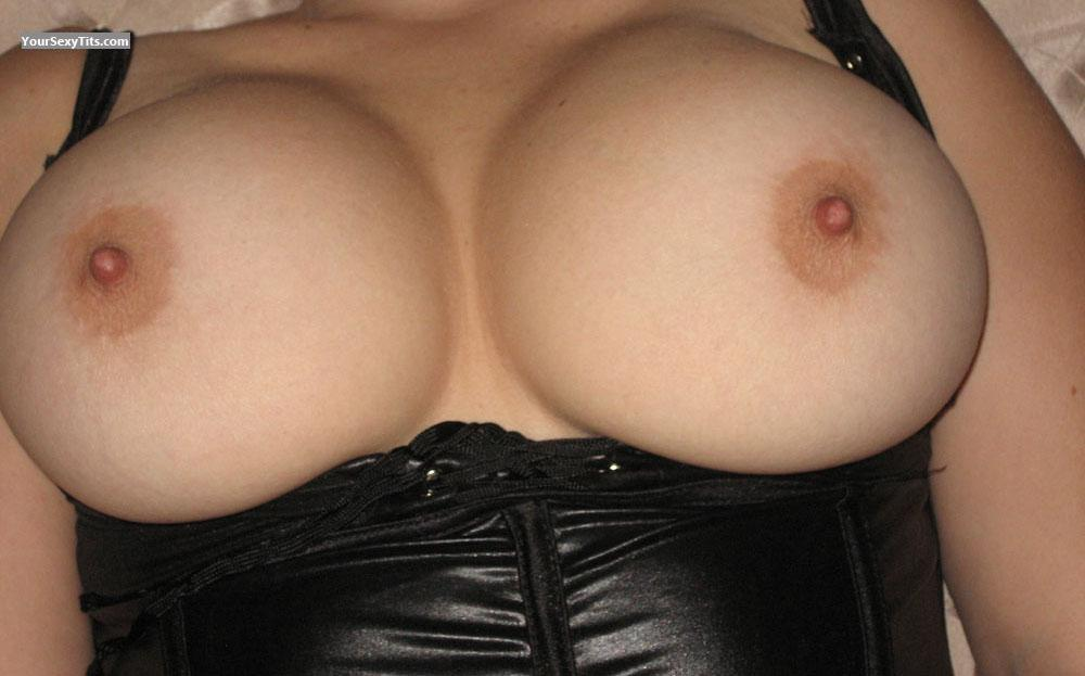 Tit Flash: Very Big Tits - Hammer3x from Canada