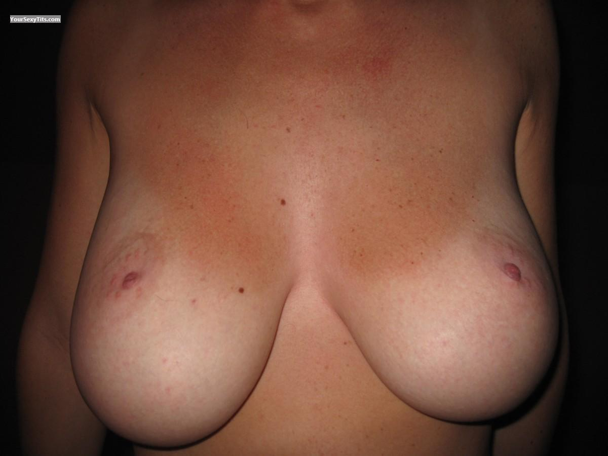 Tit Flash: Very Big Tits - SexyNatBTiT from Austria