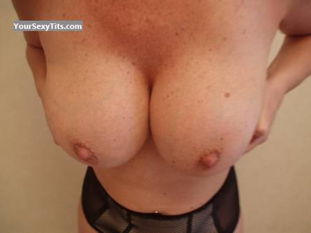 Tit Flash: Very Big Tits - Blondie from United Kingdom