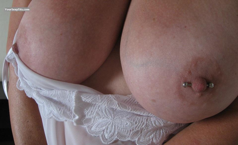 Very big Tits Fun4three