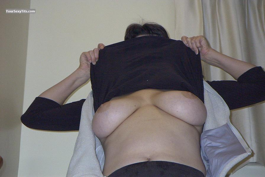 Tit Flash: Very Big Tits - Sharemymrs from United States