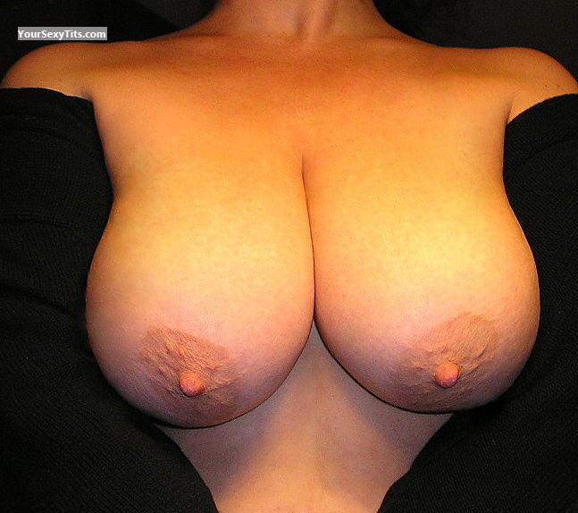 Tit Flash: Very Big Tits - Zoe from United States