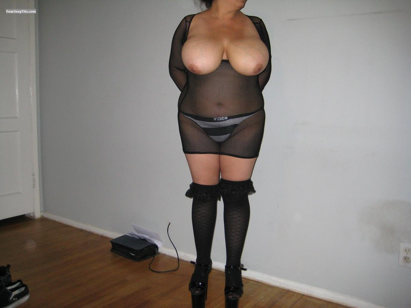 Tit Flash: Very Big Tits - Latinabigtits from United States