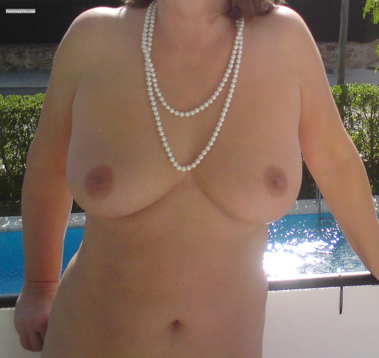 Very big Tits Pearl Necklace