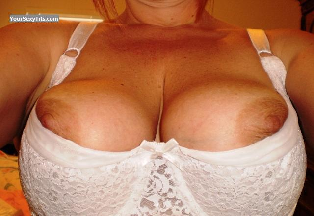 Tit Flash: Very Big Tits - Stlkat from United States