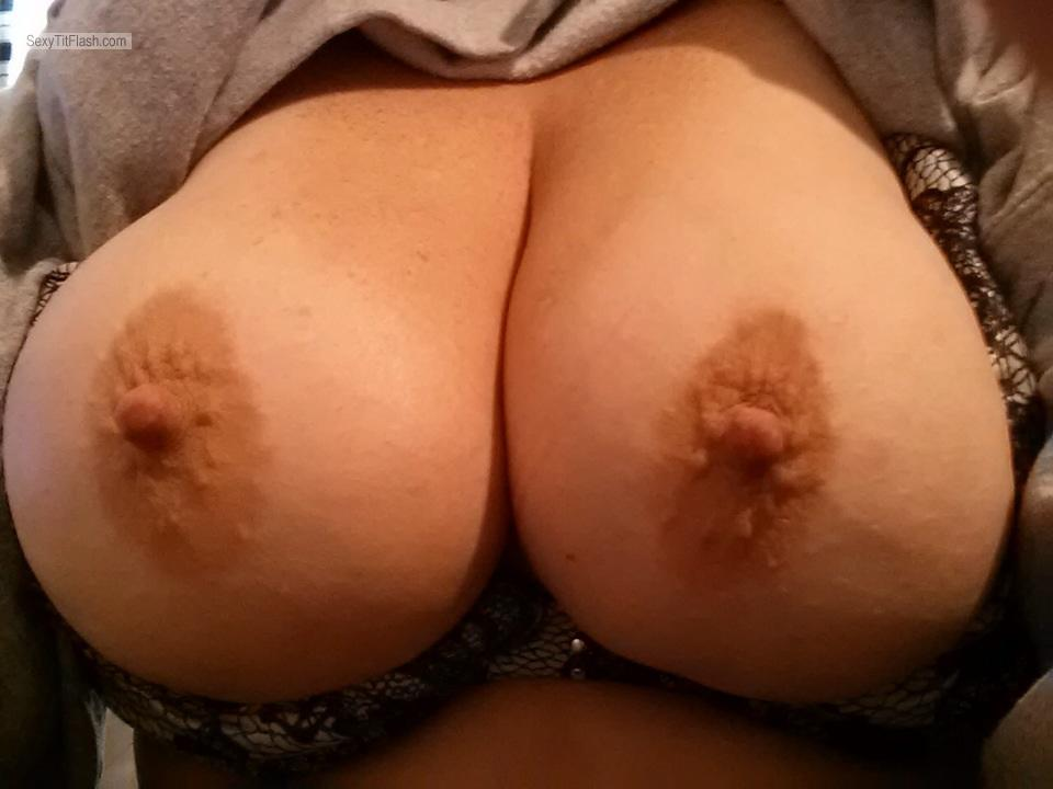 Tit Flash: Wife's Very Big Tits (Selfie) - Fyrdog from United States
