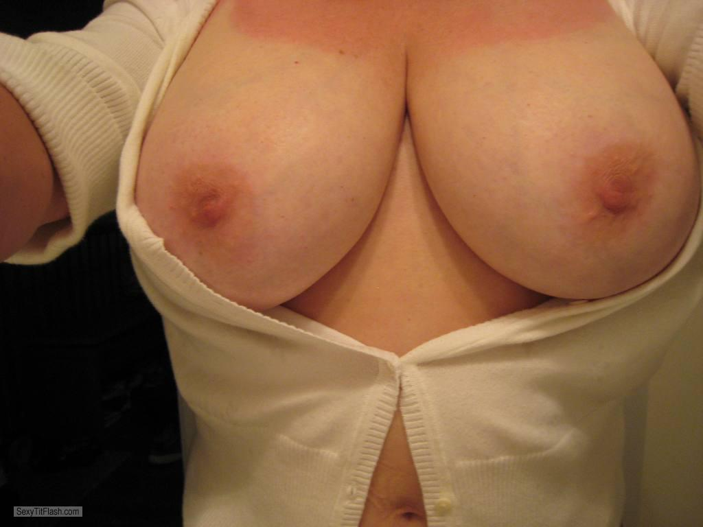 Tit Flash: Wife's Very Big Tits (Selfie) - Lost12 from United States