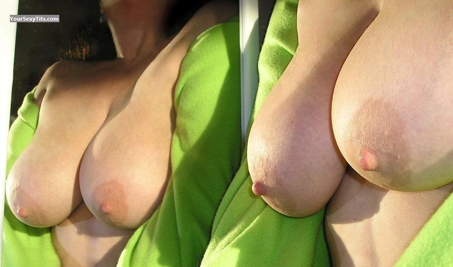 Tit Flash: Very Big Tits - Erin Go Braless from United States