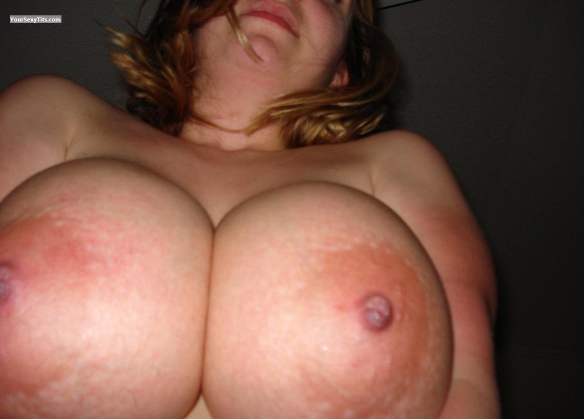 Tit Flash: Girlfriend's Very Big Tits - Sammie from United States