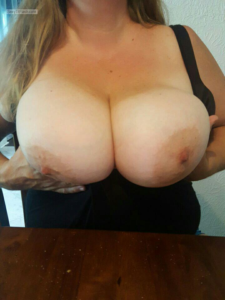 Very big Tits Of My Wife GrnsburgCpl