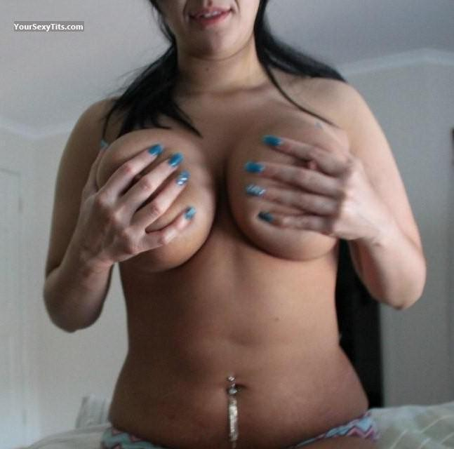 Tit Flash: Very Big Tits - AA from Australia
