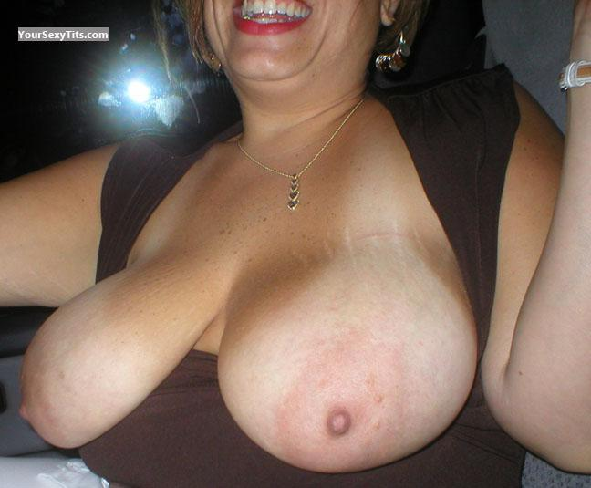 Very big Tits Close2Beer