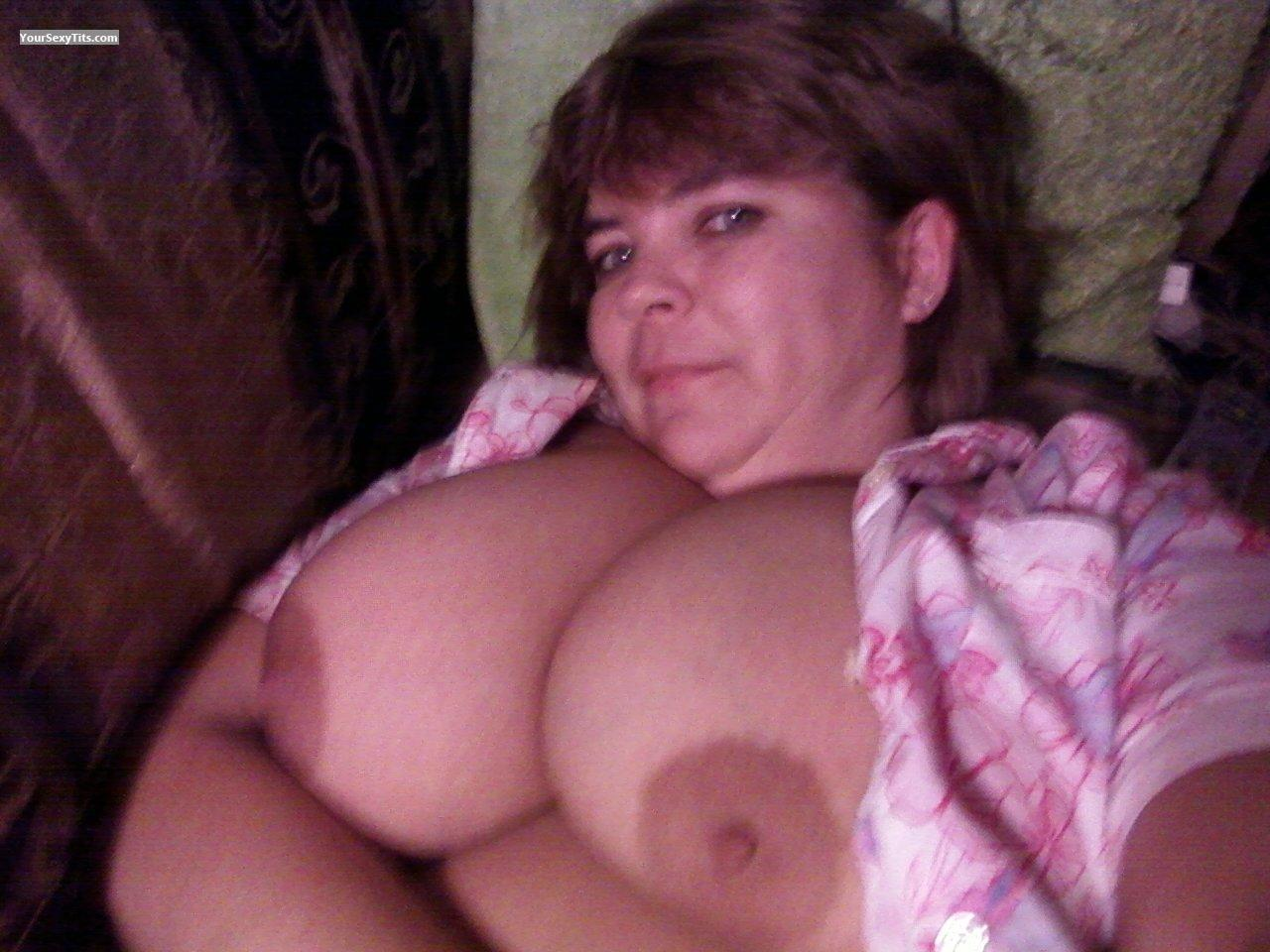 Tit Flash: Very Big Tits - Topless Dianathaa from United States