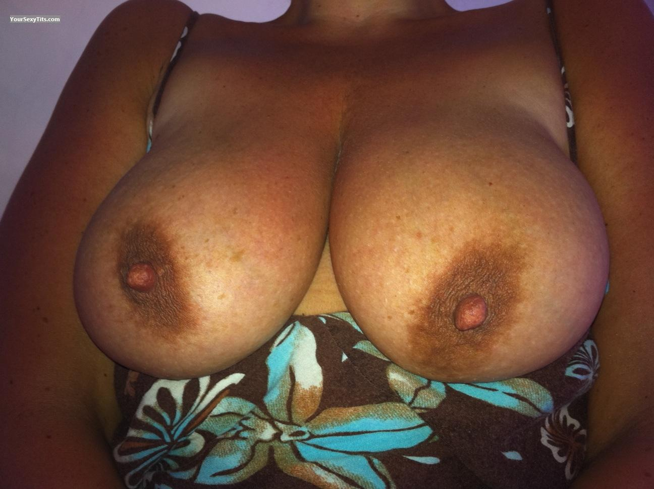 Tit Flash: Very Big Tits - Agemini from United Kingdom