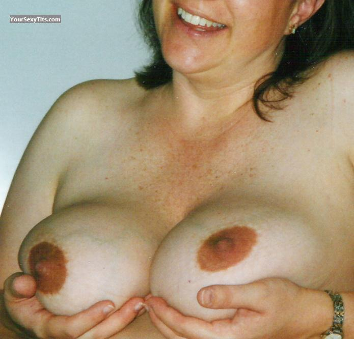 Tit Flash: Very Big Tits - NorthWest Linda from United States