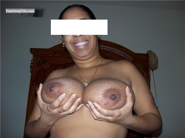 Tit Flash: Very Big Tits - Deana from Dominican Republic