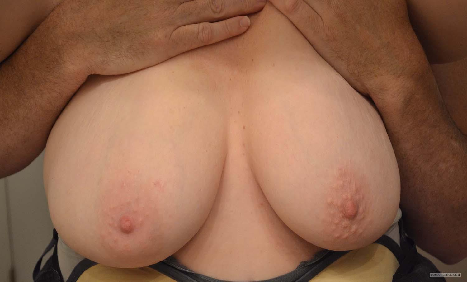 Tit Flash: Wife's Big Tits - Sexy Boobs from United States