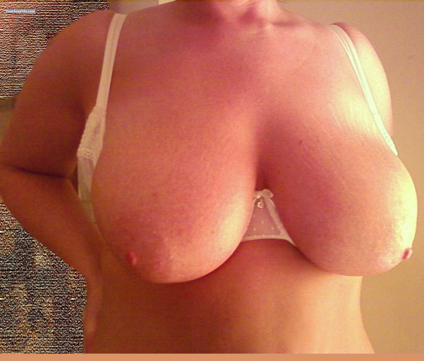 Tit Flash: Very Big Tits - FLUFFY from United States