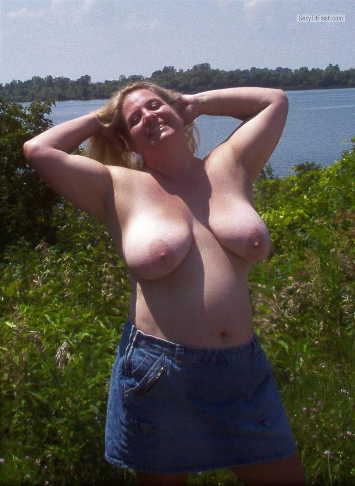 Very big Tits Of My Wife Topless Misscandy