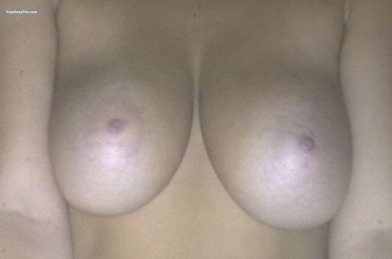 Tit Flash: Very Big Tits - Itsme from Germany