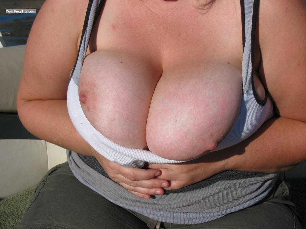 Tit Flash: Very Big Tits - BusomBuddy from United States