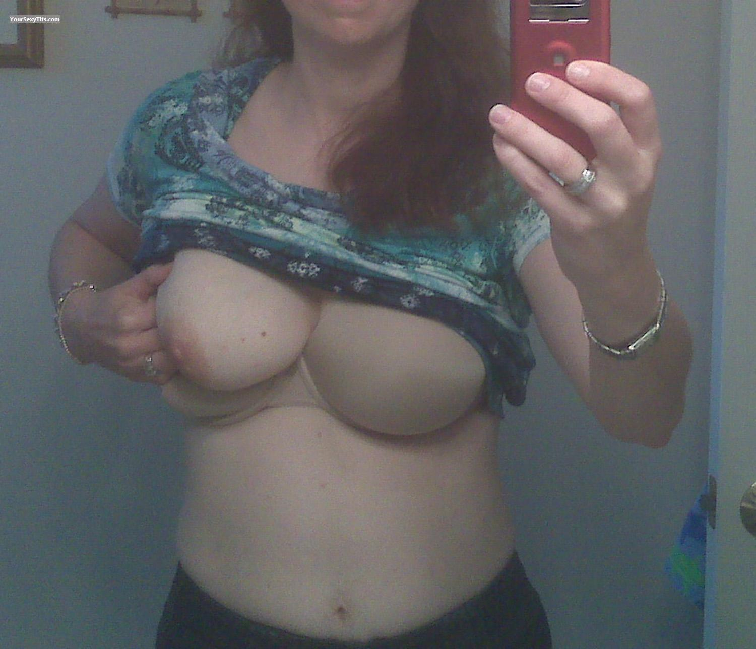 Tit Flash: Very Big Tits - LAS from United States