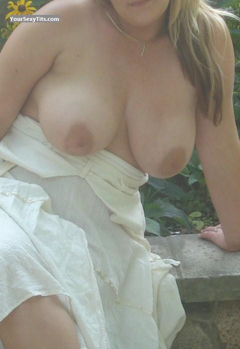 Tit Flash: Wife's Very Big Tits - Big Guns from Canada