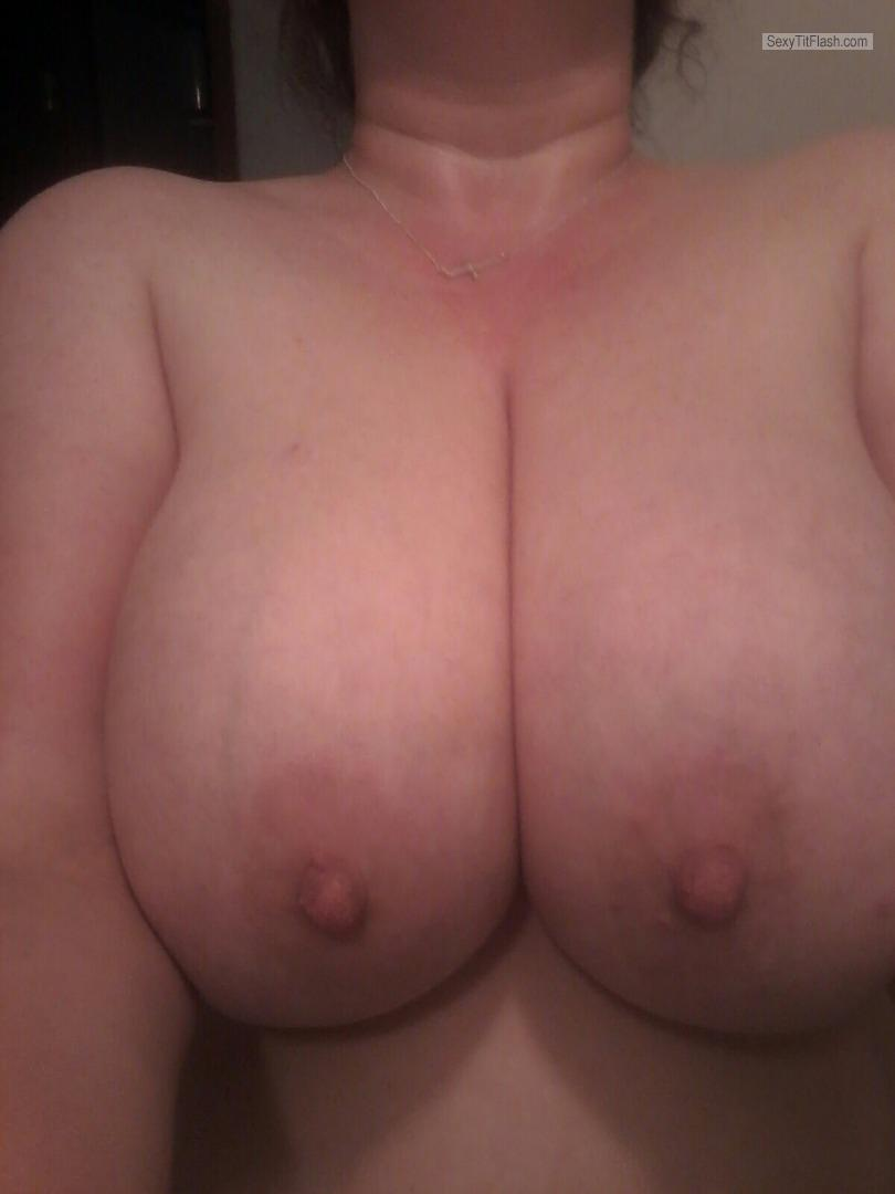 Tit Flash: Wife's Very Big Tits (Selfie) - Heavy DDDs from United States