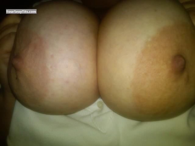 Tit Flash: Very Big Tits - Nipsf from United States