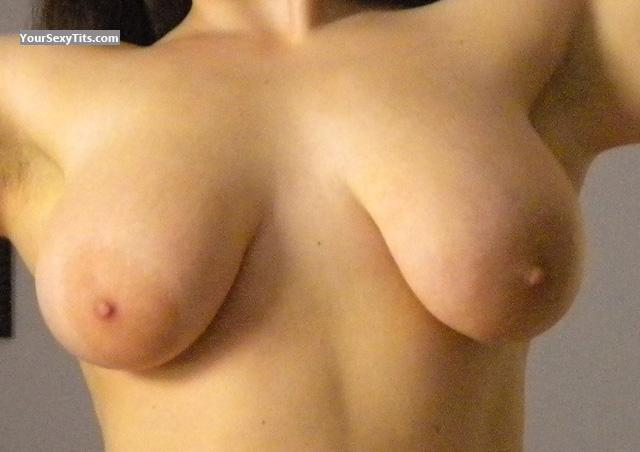 Tit Flash: Very Big Tits - Diana from United States