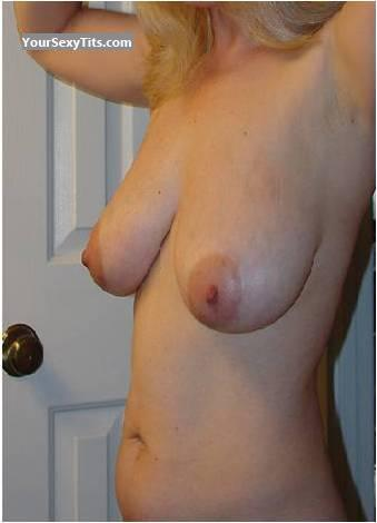 Tit Flash: Very Big Tits - Shorty from United States