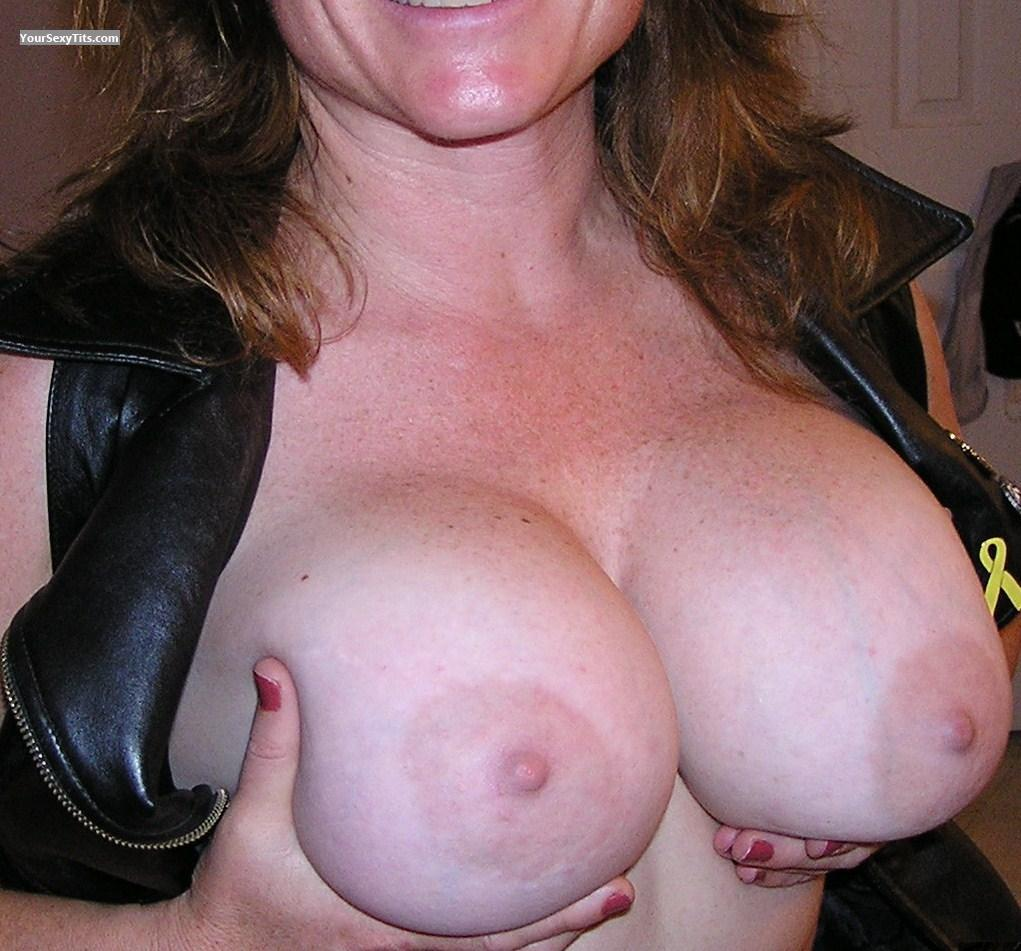 Tit Flash: Very Big Tits - Bootsey from United States