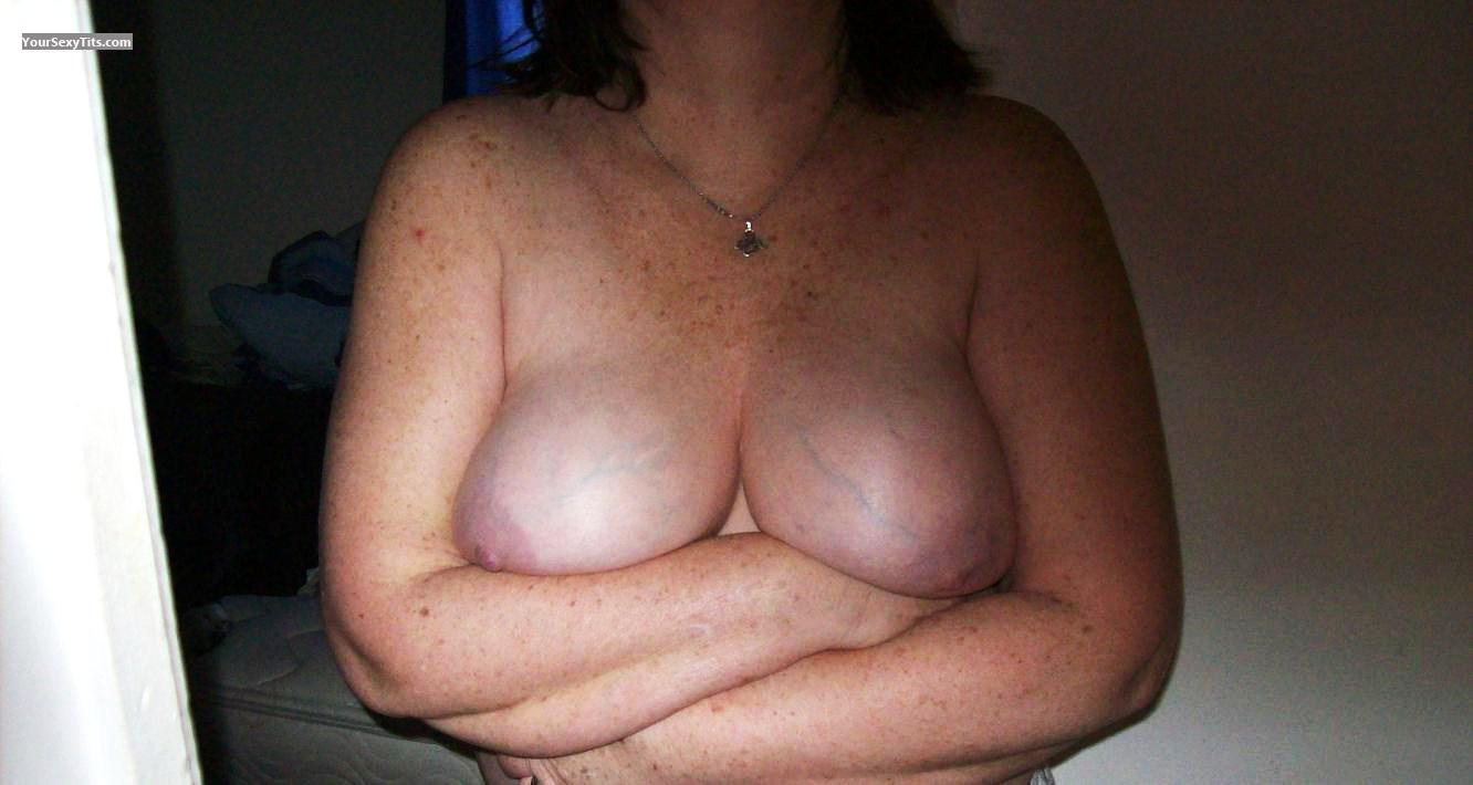 Tit Flash: Very Big Tits - Ample Annie from United States
