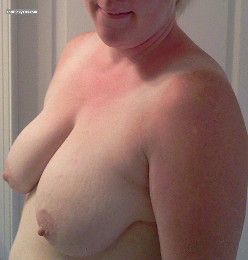 Tit Flash: Very Big Tits - Ms_BayGirl from United States