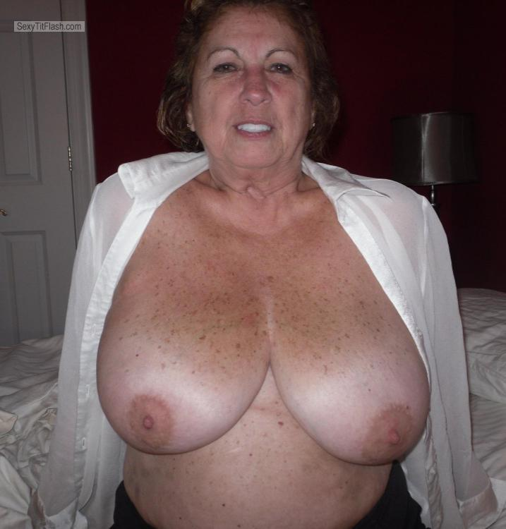 Very big Tits Of My Wife Topless Pam